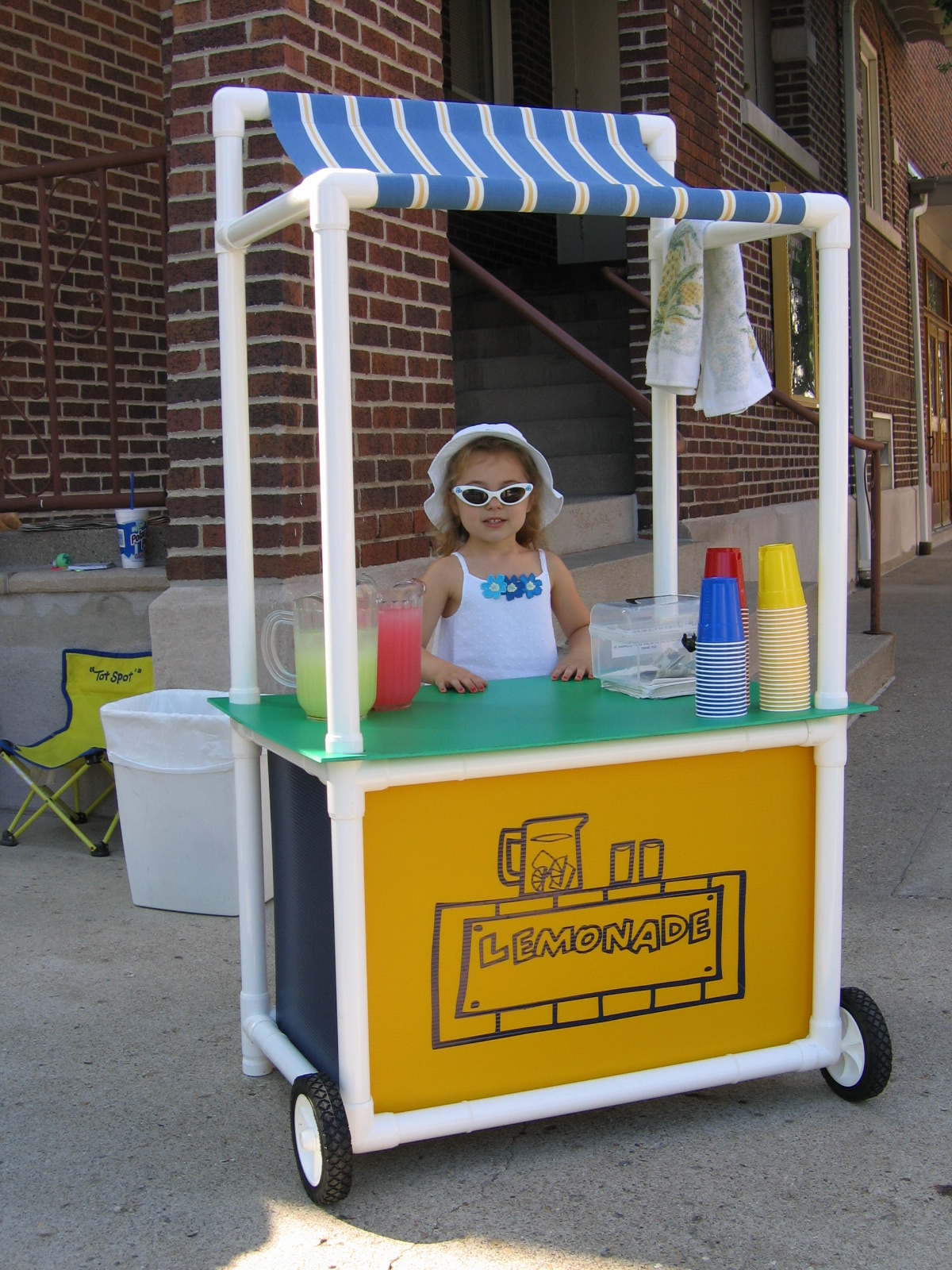 Pvc lemonade stand diy pinterest for Un stand